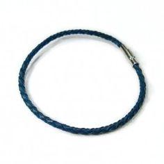 Lederarmband, blau, geflochten http://www.armband-dealer.de/shop/lederarmband/lederarmband-blau-geflochten/