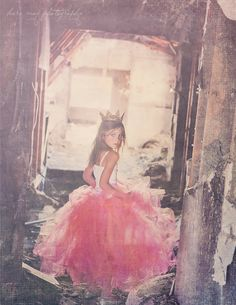 When I have a little girl I want to do a fierce princess photoshoot like this. The crown is amazing.