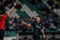 O sorriso de Otávio, os voos de Varela e as queixas do FC Porto