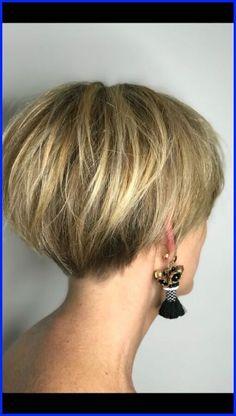 Pixie Bob Haircut, Short Bob Haircuts, Short Hairstyles For Women, Hairstyles Haircuts, Straight Hairstyles, Haircut Short, Wedge Haircut, Graduated Bob Hairstyles, Chic Haircut
