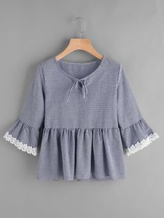SheIn offers Gingham Bell Sleeve Lace Trim Smock Top & more to fit your fashionable needs. Hijab Fashion, Girl Fashion, Fashion Outfits, Blouse Styles, Blouse Designs, Pretty Outfits, Cute Outfits, Hijab Stile, Blouse Models