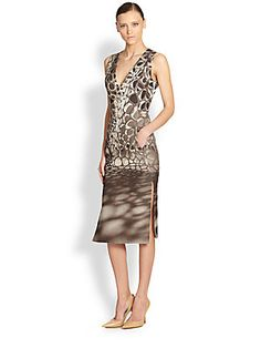 Akris Honeycomb-Print Sheath Dress, based on photo of C_Wall by Matsys