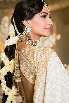 Wedding Looks, Bridal Looks, Bridal Style, Wedding Pictures, Sonam Kapoor Wedding, Mehndi Ceremony, Wedding Ceremonies, Indian Wedding Hairstyles, Indian Bridal Makeup