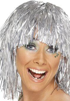 Purchase your cyber tinsel disco wig for a party look from the Halloween Spot. It is a disco style wig that will surely make you the center of attraction. Fancy Dress Wigs, Ladies Fancy Dress, Fancy Dress Accessories, Costume Accessories, Silber Make-up, Silver Wigs, Halloween Wigs, Adult Halloween, Halloween 2018