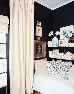 The Best Small-Space Hacks of said it a million times before—dark walls in a small space will, without a doubt, make the room feel bigger. Once you've selected your moody hue, read up here on how to decorate with dark walls. Small Space Living, Small Rooms, Small Spaces, Living Spaces, Decoration Inspiration, Interior Inspiration, Bedroom Inspiration, Decor Ideas, Cozy Nook