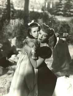 Judy Garland in Meet Me In St Louis - I love this dress, plus she ...