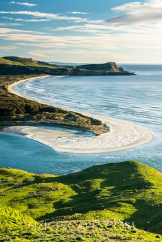 Morning on Wickliffe Bay on Otagao Peninsula. Victory Beach and Papanui Inlet in centre, Otago, East Coast, New Zealand Lighthouse Photos, Character And Setting, East Coast, New Zealand, Victorious, Thriller, Centre, Novels, River