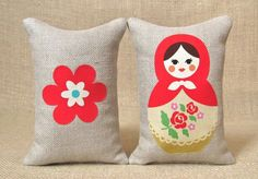 Love these pillows. These dolls are making a comeback.