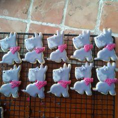 "7 Likes, 3 Comments - Alynne Neuls (@alynne_68) on Instagram: ""Finished my Sunday project.. my mini-schnauzer sugar cookies #lovemyschnauzers #schnauzerrescues…"""