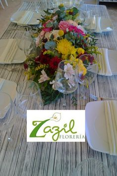 Centros de mesa para bodas y eventos en Cancún. www.floreriazazil.com Contacto: ventas@floreriazazil.com #floreriasencancun #floreriaencancun #floreriazazil