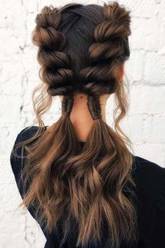 Hairstyles for short hair Fun pigtails that have bubble braids. Tranças divertidas que têm tranças de bolhas. Summer Hairstyles, Pretty Hairstyles, Easy Hairstyles, Formal Hairstyles, Amazing Hairstyles, Hairdos, Hairstyle Ideas, Braided Hairstyles For Short Hair, Mermaid Hairstyles