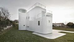 Casa V minimalista y eficiente / Dosis Arquitectura, A Coruña http://www.arquitexs.com/2013/12/casa-v-dosis-arquitectura-coruna.html