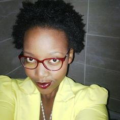 MARCH:   This is probably the 1st time I've ever seen my fro looking so good, the sad part is I don't quite remember what product combinations I used, but My TWA was, fully stretched (as stretched as natural hair can be) and it was  poppin. :-) <3