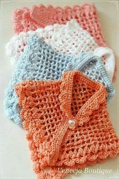 Hust crochet for MSD by venecja on Etsy This Pin was discovered by rub Baby Knitting Patterns Poncho I want to learn, step by step How to Crochet a Basic Doll - Crochet Ideas Baby Girl Crochet, Crochet Baby Clothes, Poncho Knitting Patterns, Crochet Patterns, Crochet Ideas, Crochet Stitches, Knit Crochet, Crochet Baby Shawl, Crochet Shoes