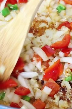 This baked Spanish Chicken And Rice makes an easy and delicious meal for your family. It's prepared in one pot, flavorful and perfect for summer meals. Quick Chicken Recipes, Chicken Drumstick Recipes, Grilled Chicken Recipes, Chicken Paella, Pollo Recipe, Spanish Chicken, Clean Recipes, Casserole Recipes, Summer Recipes