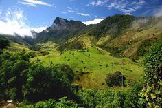 COLOMBIE : un réveil de toute beautéAprès cinquante ans de conflit de basse intensité, la paix enfin? 2016 sera l'année de la Colombie. Plages, îles, palanque afro-colombien et forteresse de Carthagène sur la côte caraïbe
