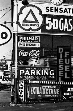 5D Gas New York, 1955 © William Klein / Courtesy Galerie Le Réverbère, Lyon