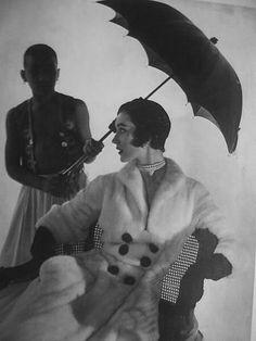 find umbrellas on http://annagoesshopping.com/umbrellas