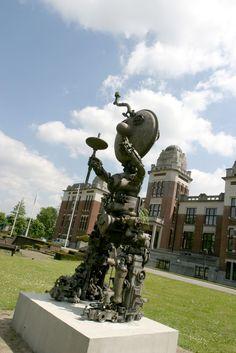 Kunst op de Campus: Lucifer - Paul Van Hoeydonck - Campus Middelheim