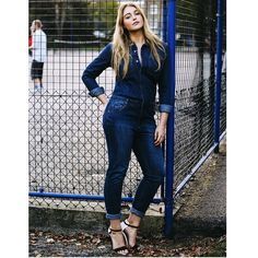 #iskralawrence #lingeriemodel #fitspo #toned #curvy #curves #model #beauty #beautiful #pretty #denim #jumpsuit #denimjumpsuit
