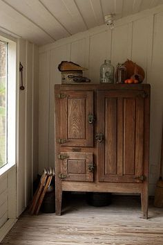 What a beautiful antique ice box. camtb on Flickr