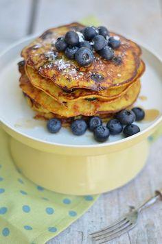 banana and blueberry pancakes (gluten free)