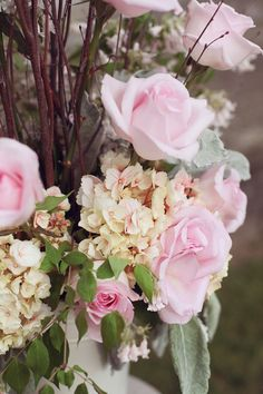 Pink Wedding Flowers  http://rusticweddingchic.com/nh-wedding-searles-castle