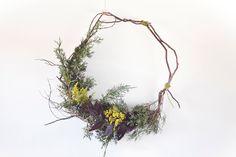 diy fresh wreath tutorial - kinfolk