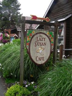 Lazy Susan Cafe, Cannon Beach-Best gingerbread waffles with fresh peaches and syrup-yum! Wonderful service too