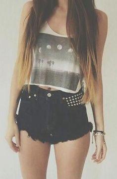 #summer #fashion / graphic tee + black shorts