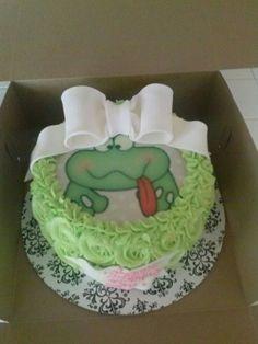 edible image and rose swirl cake.