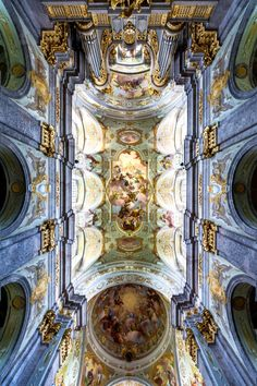 Ceiling frescos in the nave and the dome of Sonntagberg Basilica (Lower Austria) by Daniel Gran Credit Baroque Architecture, Beautiful Architecture, Baroque Time Period, Gian Lorenzo Bernini, Giorgio Vasari, High Renaissance, Sistine Chapel, Found Art, 11th Century