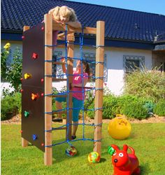 Kletterturm mit Kletternetz Kletterwand Reckstange & Leiter Spielturm Holz Multi You are in the Kids Outdoor Play, Outdoor Play Spaces, Backyard For Kids, Backyard Projects, Outdoor Fun, Backyard Playset, Outdoor Play Structures, Chinese Crafts, Murphy Bed Plans