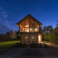 Hammer Architects Design A Home In The Forest With Abundant Natural Light