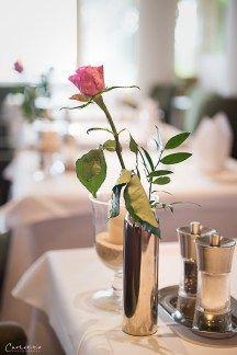 Genuss und Entspannung im Steirerhof Restaurant, Table Decorations, Plants, Furniture, Home Decor, Viajes, Decoration Home, Room Decor, Diner Restaurant