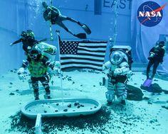 Artemis, Roca Lunar, Bbc, Nasa Engineer, Lunar Lander, Johnson Space Center, Space Launch, Moon Surface, Moon Missions