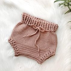Crochet Baby Bloomers, Baby Bloomers Pattern, Crochet Romper, Baby Girl Dress Patterns, Romper Pattern, Baby Clothes Patterns, Baby Girl Crochet, Crochet Baby Clothes, Newborn Crochet