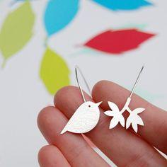 Pájaro y rama                                                       …