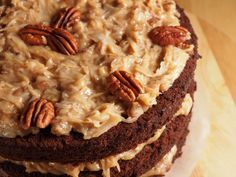 Coconut Pecan Frosting Recipe - Perfect for German chocolate cake! German Chocolate Frosting, Homemade German Chocolate Cake, Tasty Chocolate Cake, Melting Chocolate, Baking Chocolate, Coconut Pecan Frosting, Ganache Frosting, Marshmallow Frosting, Cake Icing