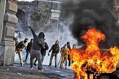 Disso Voce Sabia?: Qualquer semelhança com o Brasil NÃO É MERA COINCIDÊNCIA - Black blocs depredam bancos e tocam o terror na Itália