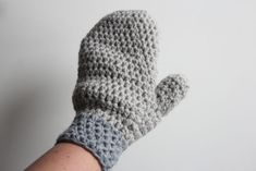 Free Crochet Pattern Mittens, Wonderfully Warm and Easy To Make! Crochet Home, Hand Crochet, Free Crochet, Knit Crochet, Chrochet, Baby Blanket Crochet, Crochet Baby, Crochet Gloves, Crochet Mittens