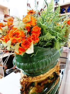 Flores permanentes! Quer florir a casa sem ter que cuidar das flores? Os arranjos artificiais são uma ótima solução. Dica: escolha materiais com alta qualidade. #produtomarche #florespermanentes #decoracao #marcheobjetos
