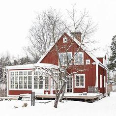 Anna Truelsen inredningsstylist: Reportage Lantliv n 1 2016 Red Cottage, Cottage Living, Living Room, Villa, New England Hus, Beddinge, Sweden House, Red Houses, House Extensions