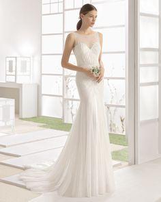 WIZAN vestido novia pedreria y godettes de tul