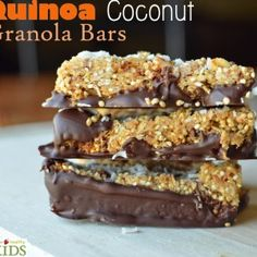 Quinoa Coconut Granola Bars- Super Healthy Kids (unfortunately this is a list of 9 gluten-free snacks and not all links work. Whole Food Recipes, Snack Recipes, Dessert Recipes, Cooking Recipes, Clean Recipes, Bar Recipes, Detox Recipes, Veggie Recipes, Cooking Time