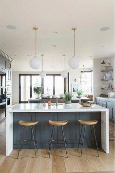 50 Best Modern Farmhouse Kitchen Island Decor Ideas 35 – Home Design Kitchen Island Decor, Home Decor Kitchen, Kitchen Furniture, New Kitchen, Awesome Kitchen, Kitchen Cabinets, Kitchen Ideas, Kitchen Inspiration, Kitchen Countertops