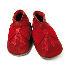İngiltere'nin meşhur bebek ayakkabı markası Inch Blue birbirimden şık,sevimli modelleriyle Bebek Form 'da...