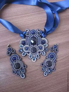 Ideas For Embroidery Jewelry Tutorial Soutache Earrings Beaded Jewelry Patterns, Embroidery Jewelry, Fabric Jewelry, Soutache Pendant, Soutache Necklace, Tutorial Soutache, Jewelry Crafts, Handmade Jewelry, Handmade Necklaces