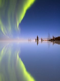 Aurora reflected (Alaska) by Ed Boudreau Beautiful Sky, Beautiful World, Beautiful Landscapes, Beautiful Places, Cool Pictures, Beautiful Pictures, Pictures Images, Travel Pictures, To Infinity And Beyond