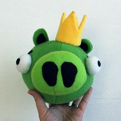 Obsessively Stitching: Angry Birds -- Plush Green, White, Black (and baby pig!)